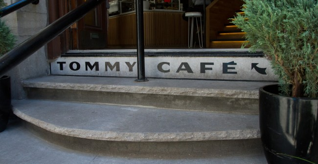2lettreurs-tommy-cafe