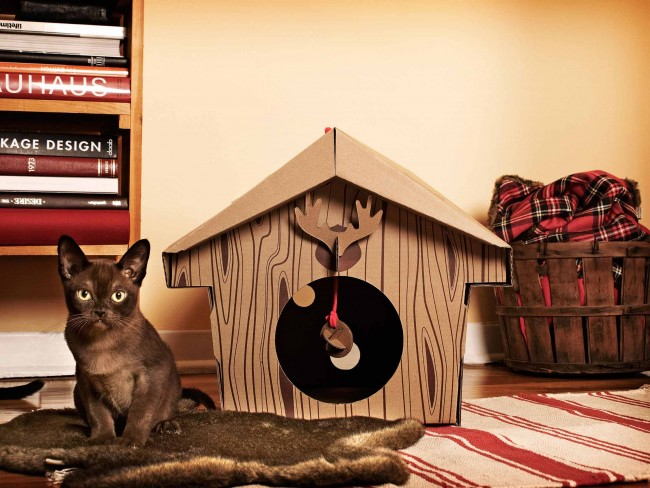 The_Canadian_Cabin_cat_house_2_Loyal_Luxe_L